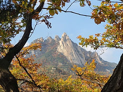 TOP Autumn Foliage Places in/outside Seoul - Bukhansan National Park | KoreaToDo
