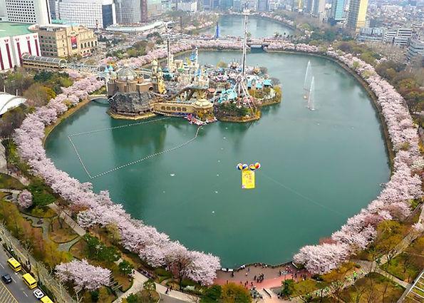 Seokchon Lake Cherry Blossom Festival 2021