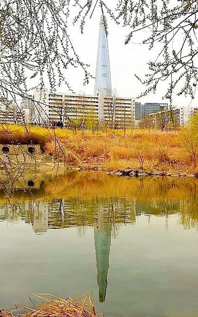 Jamsil Railway Bridge Walk - View of Lotte World Tower   KoreaToDo