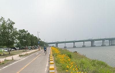 Yeouido Hangang Park - Cycling Path & Getting There | Seoul, South Korea
