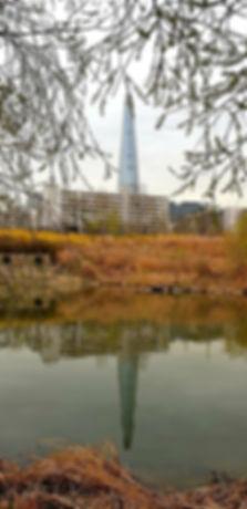 Jamsil Railway Bridge Walk - View of Lotte World Tower | KoreaToDo