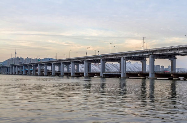 Banpo Bridge Crossing by Bicycling or Walking & Getting There | Seoul, South Korea