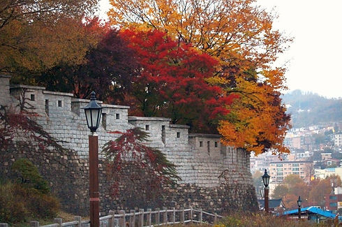 Seoul City Wall Hike - Naksan Mountain Trail in Autumn & Getting There | Seoul, South Korea