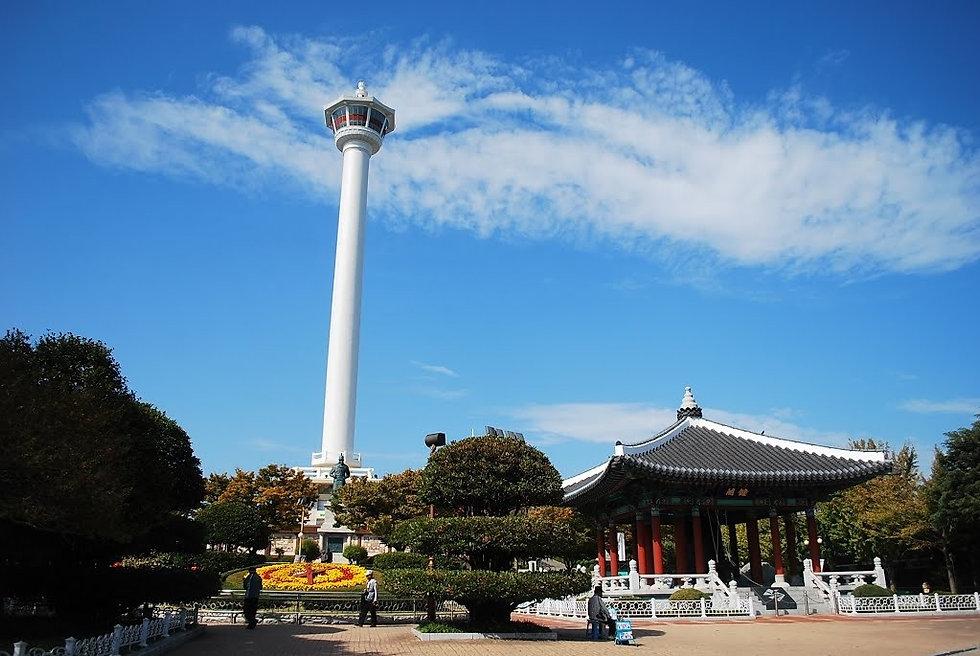 Yongdusan Park & getting there | Seoul, South Korea