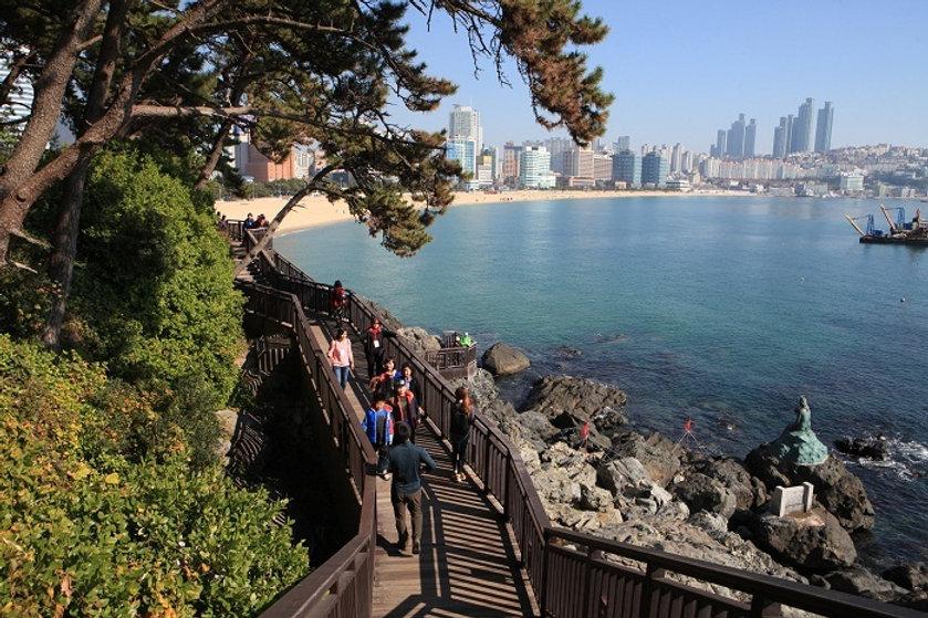 Dongbaek Island & Getting There | Busan, South Korea