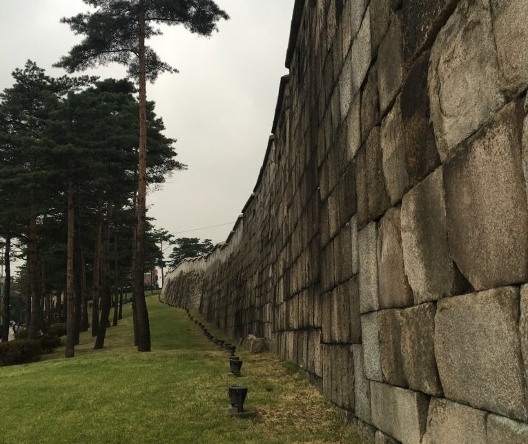 Seoul City Wall (Heunginjimun Gate - Heunginjimun Gate) & getting there | Seoul, South Korea
