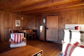 Wohnzimmer mit Arbeitstisch