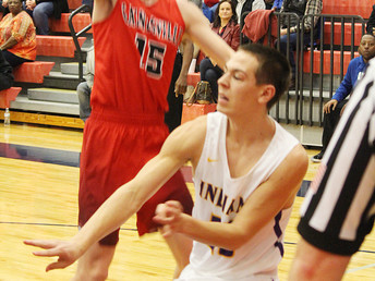 PHOTOS - Sanger Play In Game