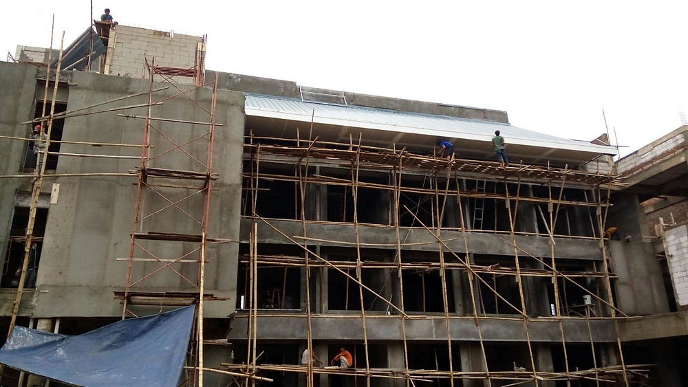 31 Januari 2016, fasad bagian belakang bangunan masih dalam proses pengacian