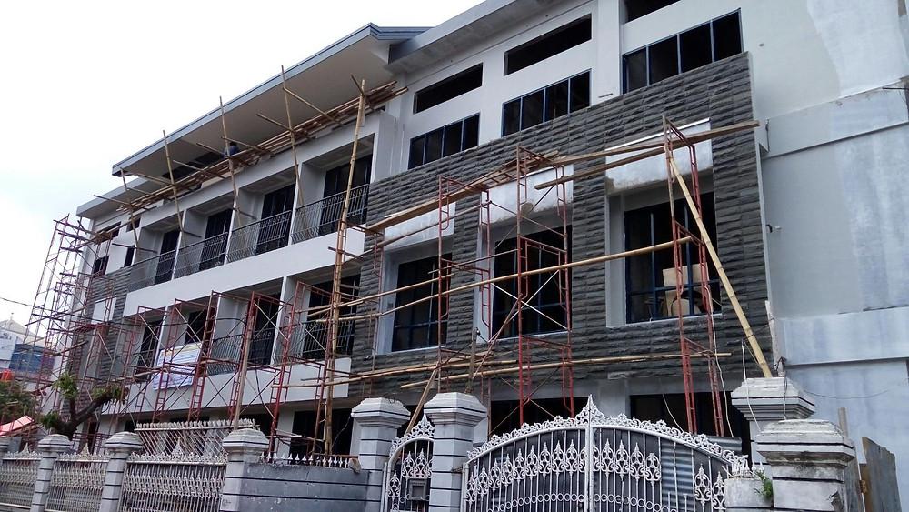 2 Februari 2016, fasad sebagian besar rampung dengan sedikit revisi di beberapa titik