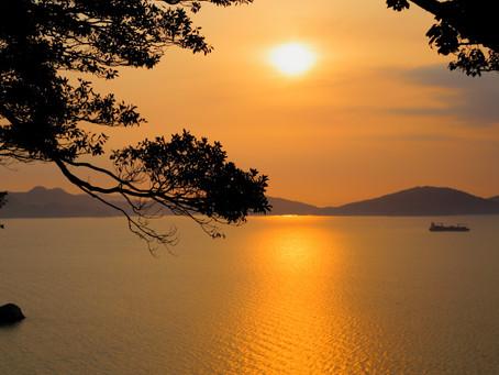 能古島の日没は、静寂の時間だった。
