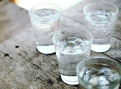 Khao Lak: Wasser im Flugzeug trinken nach Khaolak