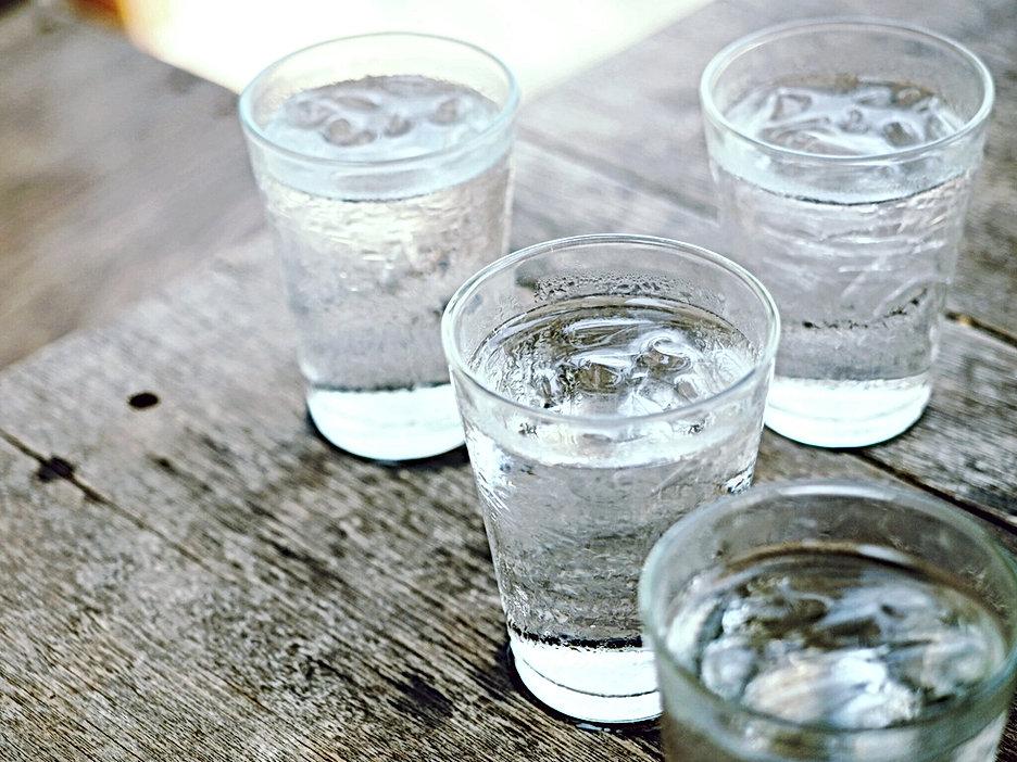 水のメガネ