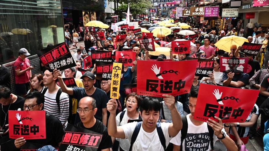 举办声援香港反送中抗议活动一周年纪念-06202020