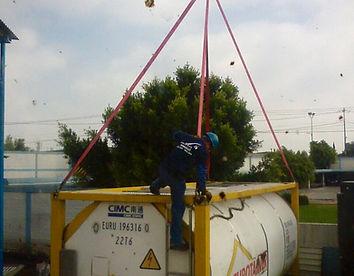 maniobra de carga y descarga de tanques