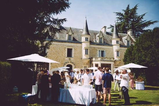 Chateau La Couronne music