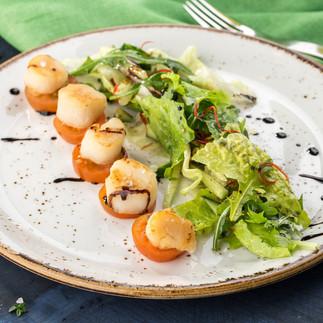 Scallop and Mixed Greens Salad