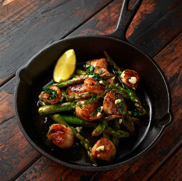 Seared Scallops and Asparagus