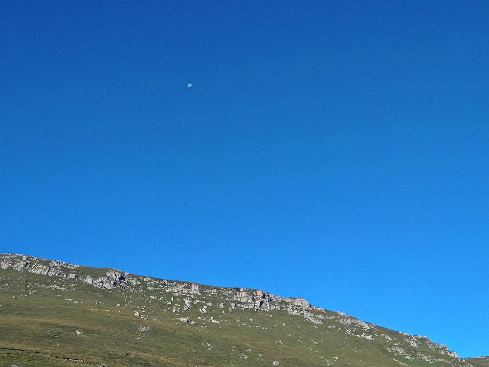 Měsíc nad Bucegi