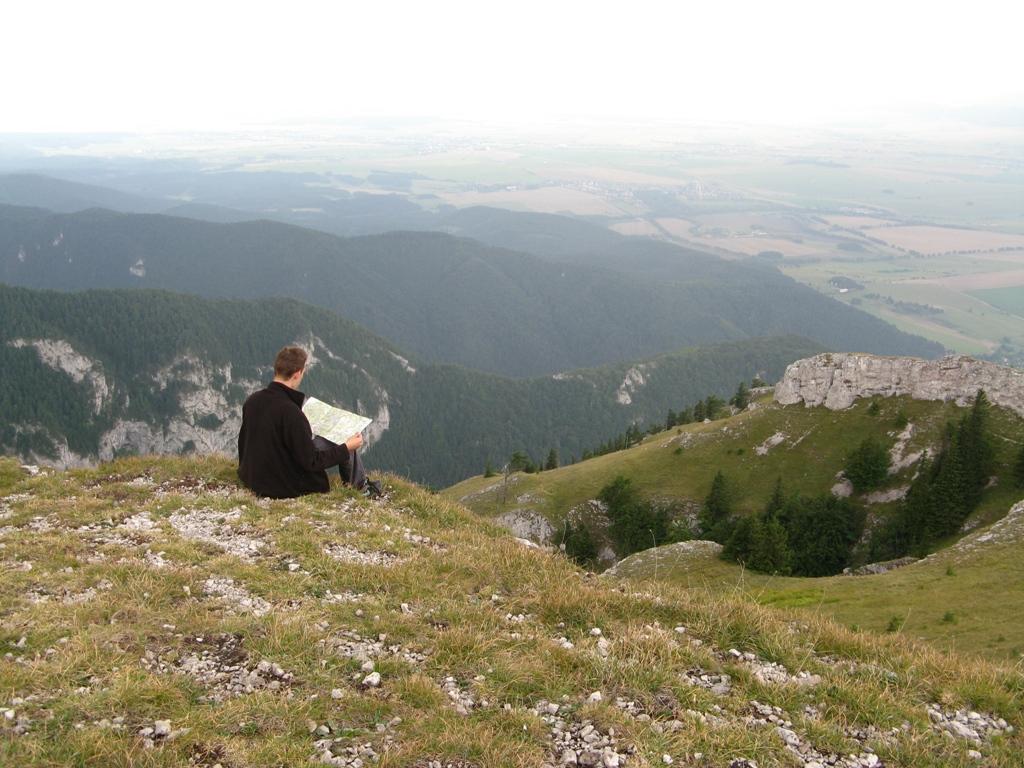 Pohled na cíl cesty v údolí