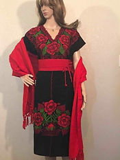 68abfe61d3 Vestido artesanal bordado. Medidas  63 cms. x 1 mt