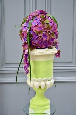 Compostion florale sur vase médicis