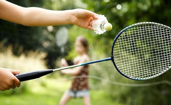 poigratj_v_badminton.jpg