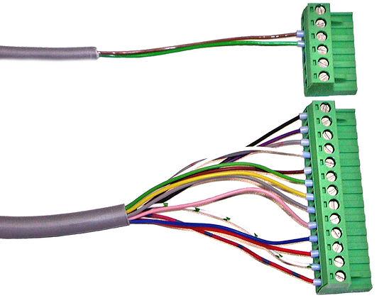 Datenkabel und Stomkabel für industrielle  Anwendungen, elektronische Baugruppen und Maschinen. Kabelkonfektion nach Fertigungszeichnung oder Musterkabel.