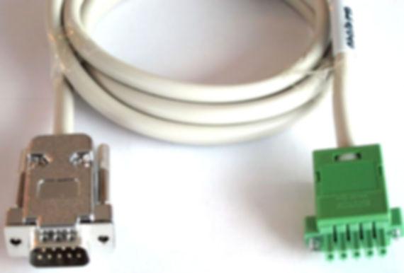 Datenkabel für industrielle  Anwendungen. Kabelkonfektion zum einem  Daten- und Stromkabel für Maschinen.