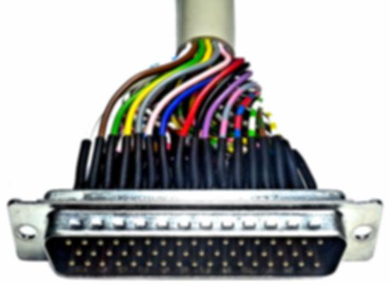 Datenkabel und Sensorkabel für industrielle  Anwendungen. Kabelkonfektion für Messtechnik und Computer gestützte Maschinen.