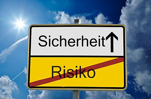 german sign translation_ risiko means ri