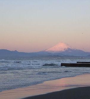 800px-Enoshima_west_beach_02.jpg
