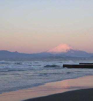 800px-Enoshima_west_beach_02.jpg