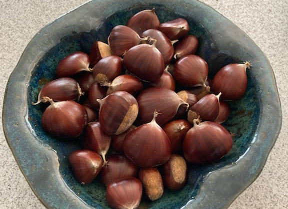 Chestnut Serving Bowl with 1 lb. of Chestnuts