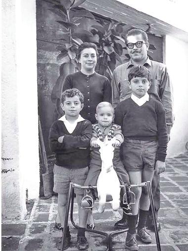rosario-castellanos-y-su-familia.jpg