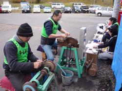 仙台にて研ぎ直しのボランティア活動