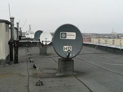 Anteny na dachu wieżowca