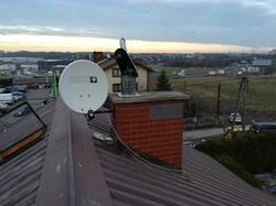 montaż anteny blisko komina