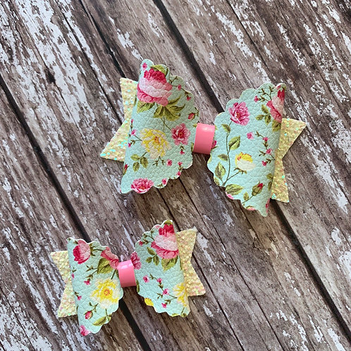 Pastel Floral Charmed Scallop Bow