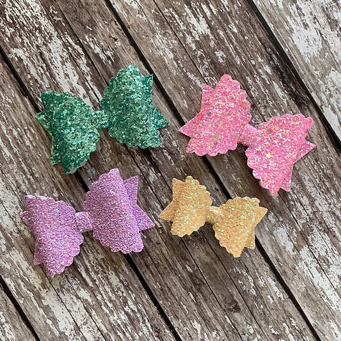 Glitter Scallop Charmed Bow