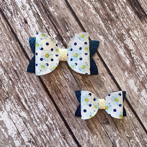 Blue Daisies Charmed Bow