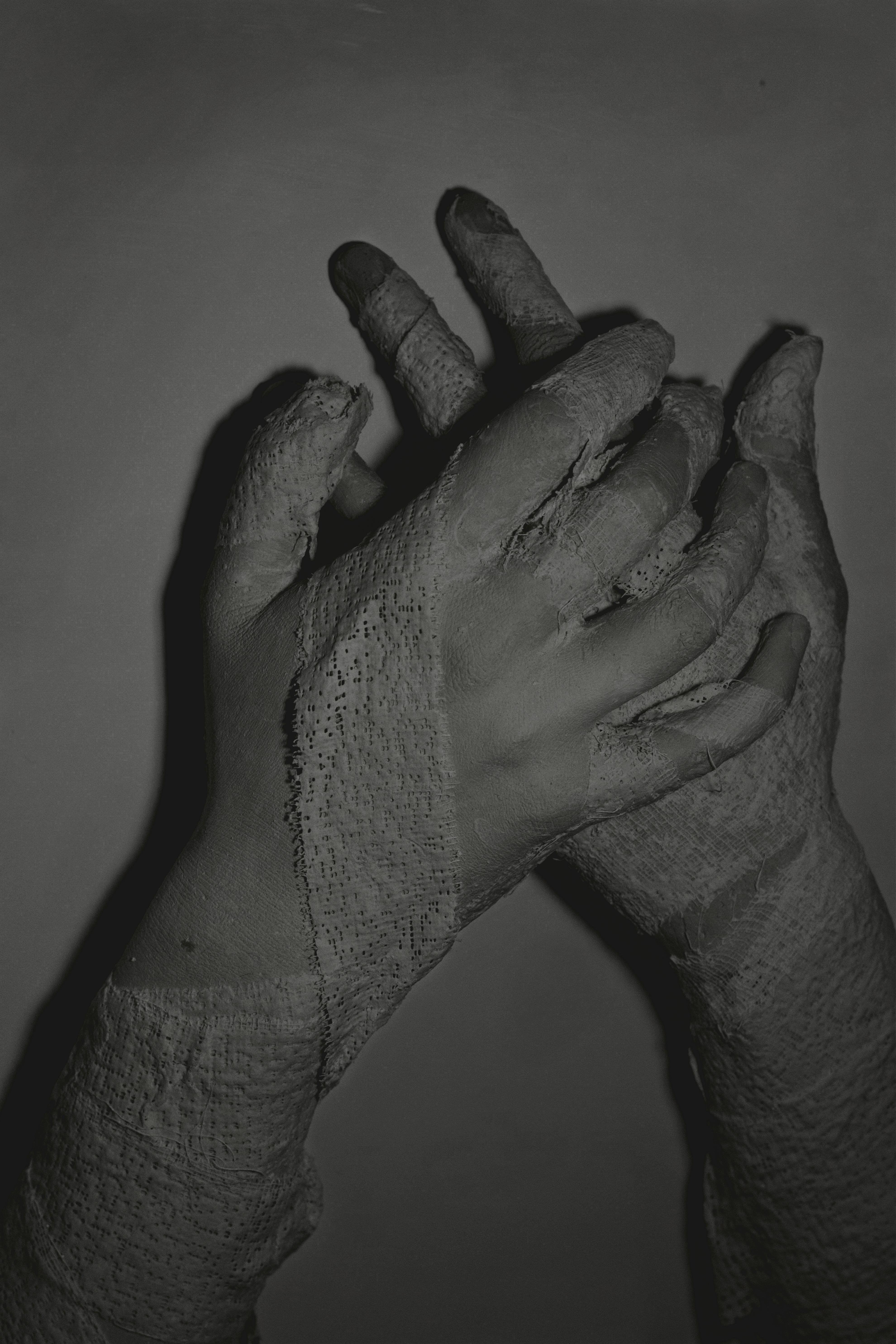 {bandaged|