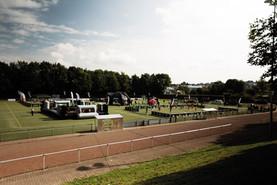 sportplatz-aufbau-low.jpg