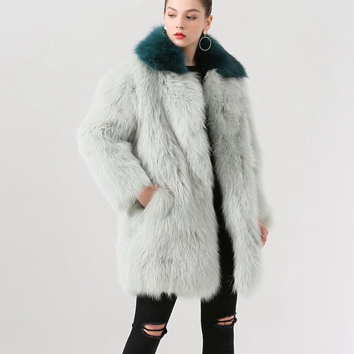 Abrigo verdes con cuello