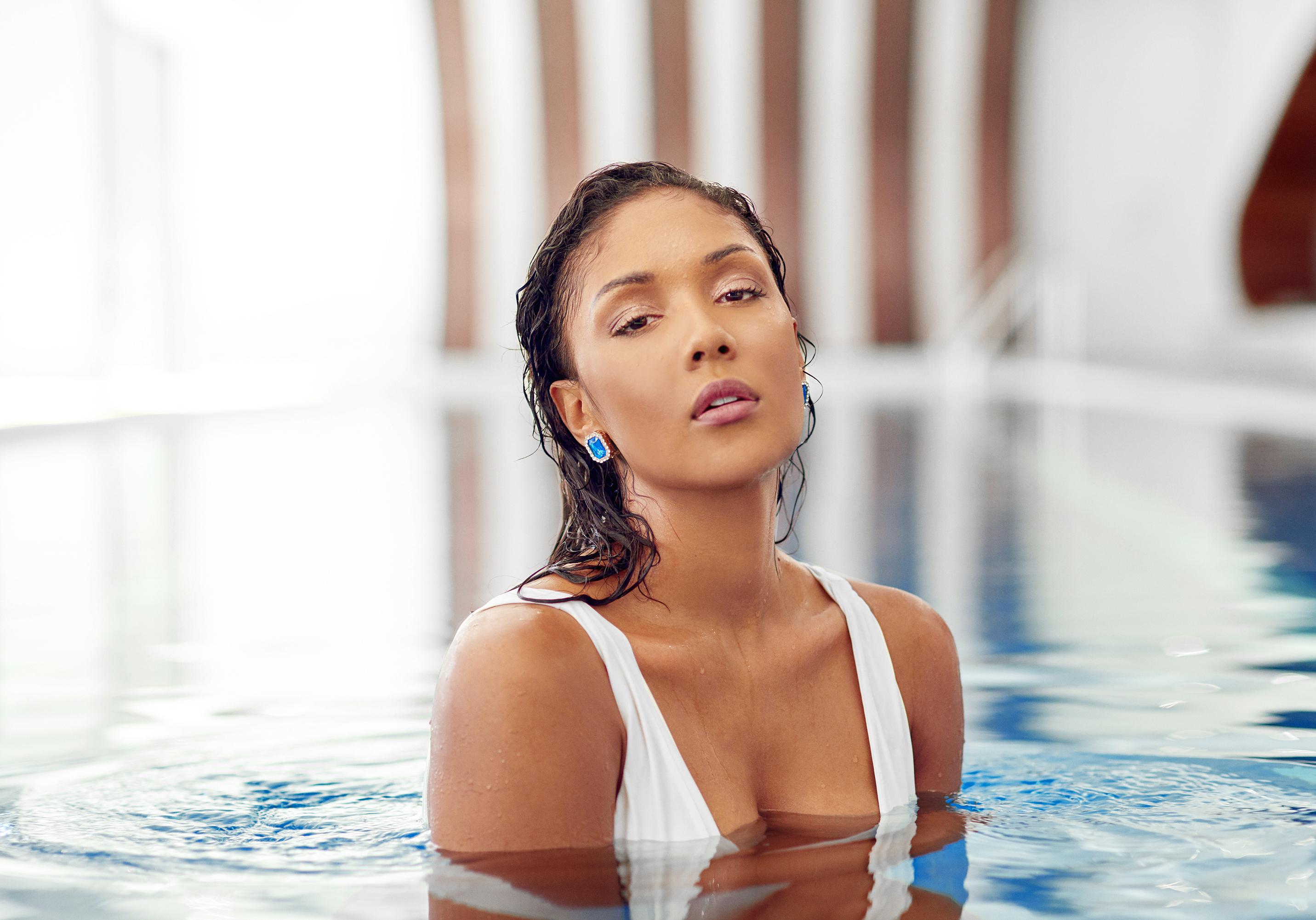 Adella Pasos - Luxury Jewerly-Model-TVHo