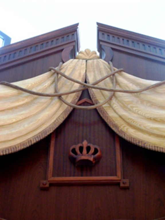 Wooden curtain for Vilna gate