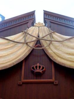Wooden curtain for Vilna gate