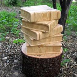 גזע עץ מגולף