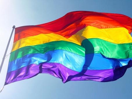 """En Guadeloupe, une ligne d'écoute pour les victimes de discrimination et de haine anti """"LGB"""