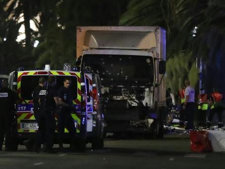 ATTENTAT A NICE : AU MOINS 84 MORTS